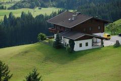 Chalet dans les Alpes Photo libre de droits