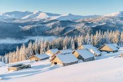 Chalet in de bergen De Karpaten, de Oekraïne, Europa royalty-vrije stock fotografie