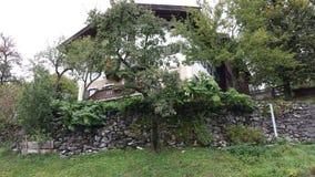 Chalet in de heuvels van Oostenrijk Royalty-vrije Stock Afbeelding
