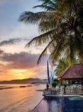 Chalet de lujo en puesta del sol Foto de archivo libre de regalías