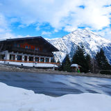 Chalet de ski Photos stock
