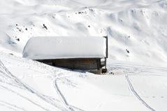 Chalet in de winter royalty-vrije stock foto