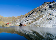 Chalet del lago Balea fotografia stock