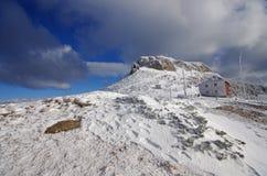 Chalet en hiver Images stock
