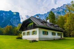 Chalet in Koenigssee, Konigsee, het Nationale Park van Berchtesgaden, Beieren, Duitsland stock foto's