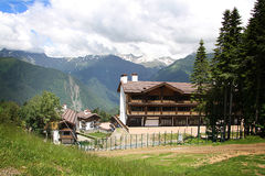 Chalet in mountains Royalty Free Stock Photos