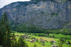Chalet nel cantone di Berna della valle di Lauterbrunnen in Svizzera Fotografia Stock