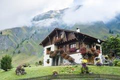 Chalet svizzero in furetto Fotografie Stock Libere da Diritti