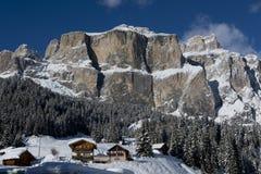 Chalet in Val di Fassa stockfotos