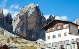 Chalet in Val Gardena in het Italiaans Dolomiet royalty-vrije stock fotografie