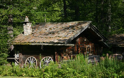 Chalet in the woods Royalty Free Stock Images