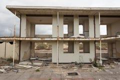 Chalets détruits de vacances Photos libres de droits