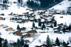 Chalets im Schnee Stockfotos