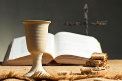 Free Chalice Of Wine With Bread And Bible Stock Images - 109315074