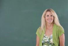 учитель chalkboard стоящий Стоковое Фото