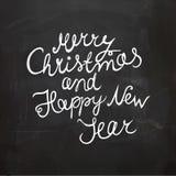 Chalkboard boże narodzenia i nowego roku życzenie Ręcznie pisany wektorowy literowanie Zdjęcia Stock