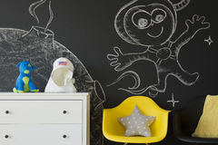 Chalkboard ściana z kreatywnie rysunkami Fotografia Stock