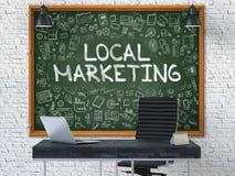 Chalkboard na Biurowej ścianie z Lokalnym Marketingowym pojęciem 3d Fotografia Stock