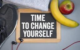 Chalkboard z czasem ono zmieniać zdjęcie royalty free