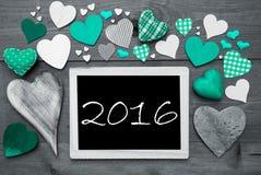 Chalkbord in bianco e nero, molti cuori verdi, testo 2016 Fotografia Stock