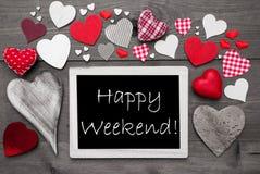 Chalkbord blanco y negro, corazones rojos, fin de semana feliz Fotografía de archivo