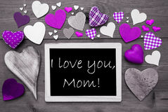 Chalkbord con muchos corazones púrpuras, te amo mamá Fotos de archivo libres de regalías