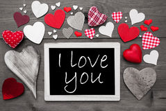Chalkbord noir et blanc, coeurs rouges, je t'aime Photographie stock