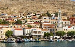 Chalki沿海城市的看法,在Chalki海岛上,十二群岛,希腊 免版税库存图片