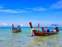 Chaloupes à l'île en bambou Thaïlande Photo libre de droits