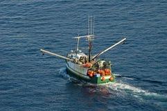 Chalutier, industrie de la pêche Image libre de droits