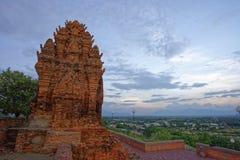 Cham возвышается, Ninh Thuan, Вьетнам - - 9-ое октября 2016 Стоковые Фотографии RF
