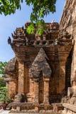 Cham góruje po Nagar Sławny pałac w Nhatrang, Wietnam Zdjęcia Royalty Free