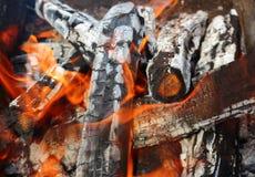 Chama da coberta de madeira do fogo fotos de stock