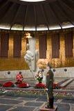 A chama eterno do memorial de guerra no monte de Mamayev dedicou aos heróis da batalha de Stalingrad Imagens de Stock