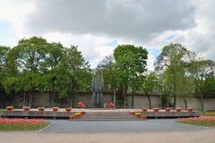 A chama eterno em Pskov no túmulo do soldado desconhecido Me Fotografia de Stock Royalty Free
