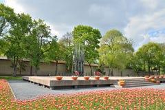 A chama eterno em Pskov no túmulo do soldado desconhecido Me Imagem de Stock