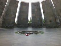 Chama eterno no memorial armênio de Genociode Foto de Stock