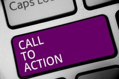 Chamada do texto da escrita da palavra à ação Conceito do negócio para que o movimento da decisão Encourage avance a chave bem su fotos de stock