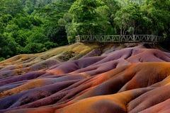 Chamarel sju färgade jordar på Mauritius Arkivfoton
