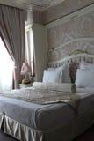 Chambre à coucher beige Images libres de droits
