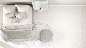 Chambre à coucher blanche et beige moderne confortable avec le plancher de parquet en bois, le tapis avec le pouf et le lit avec  illustration de vecteur