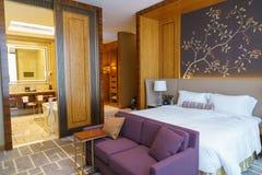 Chambre à coucher cinq étoiles de suite de luxe Images stock