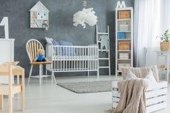 Chambre à coucher créative de bébé de style image libre de droits