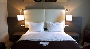 Chambre à coucher d'hôtel Images libres de droits