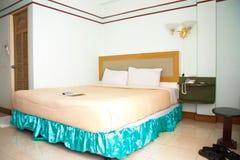 Chambre à coucher dans l'hôtel Images libres de droits