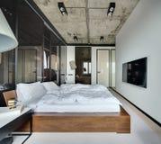 Chambre à coucher dans le style de grenier Images libres de droits