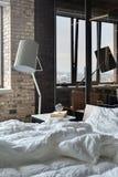 Chambre à coucher dans le style de grenier Images stock