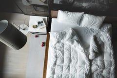 Chambre à coucher dans le style de grenier Photo stock