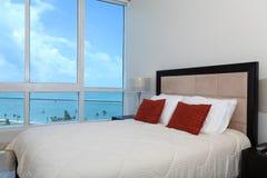 Chambre à coucher de bord de mer photo libre de droits