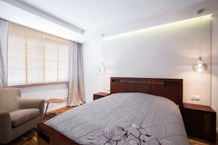 Chambre à coucher de lumière de conception simple image libre de droits